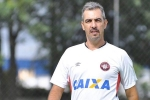 Marcelo Vilhena analisa rev�s do Atl�tico-PR